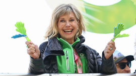 Olivia Newton-John shares her mindset amid cancer battle: 'I'm strong'