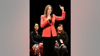 Marianne Williamson announces plan to create 'Department of Peace'