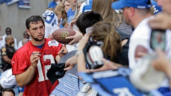 Colts' Jim Irsay puts Andrew Luck comeback rumors to rest
