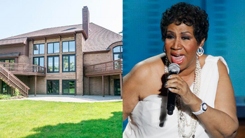 Aretha Franklin's 5-bedroom Michigan home hits market for $1.2 million
