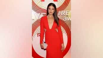 SI Swimsuit model Emily DiDonato says she lost 20 pounds after modeling agencies told her she was 'too curvy'