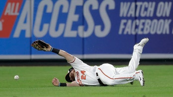 Baltimore Orioles' DJ Stewart suffers concussion after bizarre missed catch