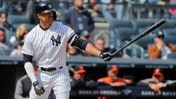Stanton, Yankees targeting September return from knee injury