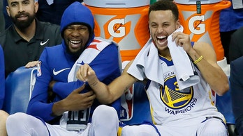 Stephen Curry embraces Warriors' change, praises Durant