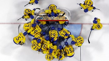 Swedish hockey players boycott training, tournament over pay