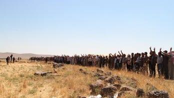 Kurdish-Syrian 'feminists' form giant human shield to resist Turkish incursion
