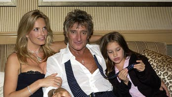 Rod Stewart poses with 4 mothers of his children: 'A mothers' reunion!'