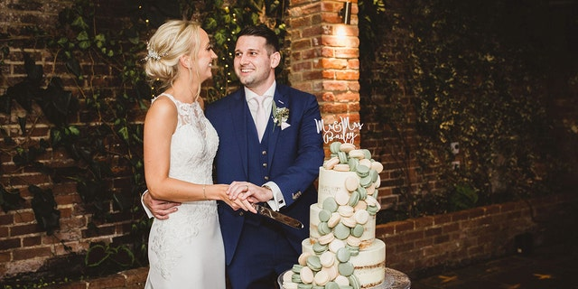 "Chloe and Aaron Bailey did not expect their ""one-in-a-lifetime"" wedding moment was going to be during the cake cutting."