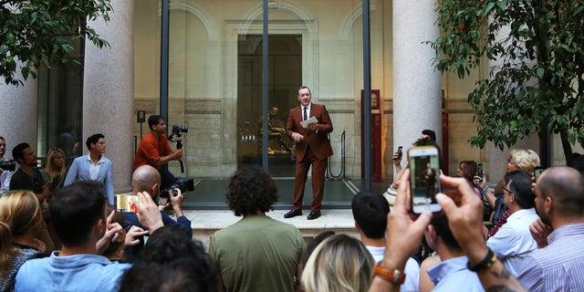 "Kevin Spacey reads ""The Boxer"" at the National Roman Museum."
