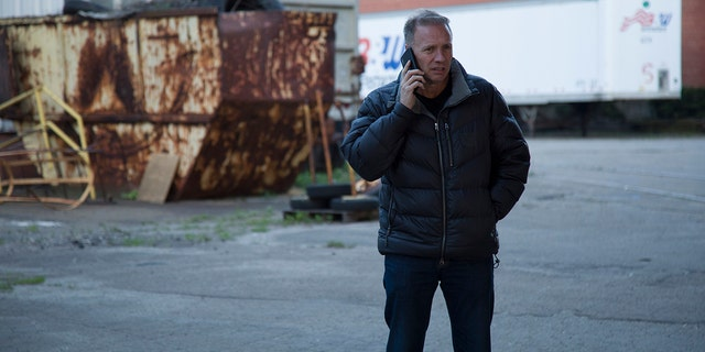 Glenn Stearns gets dropped in the middle of nowhere with almost nothing on Discovery's 'Undercover Billionaire.'