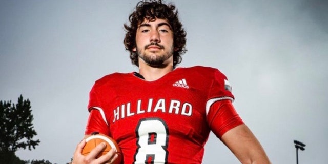 Florida high school quarterback suffers brain bleeding after touchdown