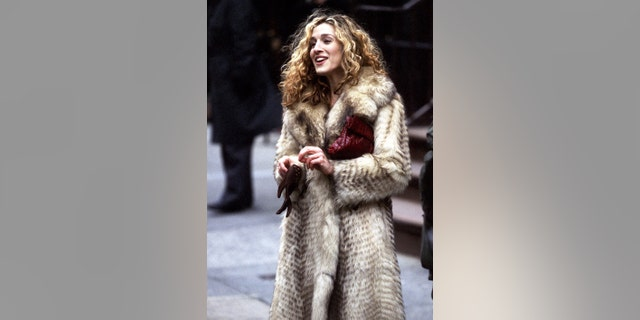 "Actress Sarah Jessica Parker films ""Sex and the City"" on March 10, 1998, at Madison Avenue in New York City."