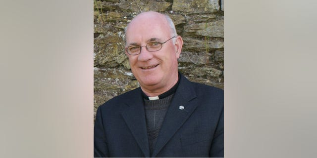 Fr Tomás Walsh, of Gurranabraher parish near Cork, has unleashed his wrath on people bringing inappropriate items such as cans of beer or cigarettes to the altar during funeral masses.
