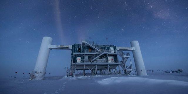 (Credit: Courtesy of IceCube Neutrino Observatory)