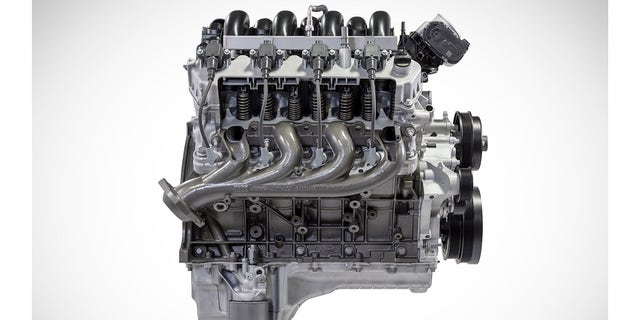 Ford's 'Godzilla' V8 claims heavy duty truck power crown ...