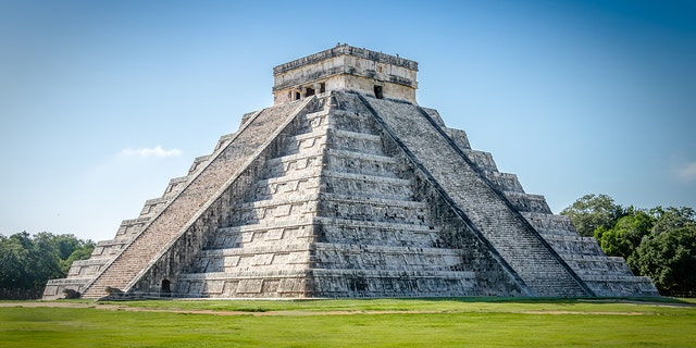Mayan Temple pyramid of Kukulkan - Chichen Itza, Yucatan, Mexico (iStock)