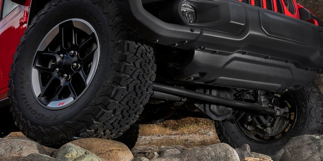 Death Wobble Jeep >> Cause Of Jeep Wrangler Death Wobble Found Automaker Says