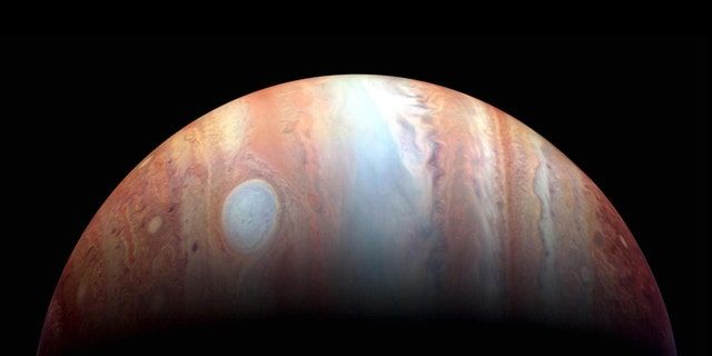 "An infrared color composite of"" Isella recalled Jupiter what created by NASA's New Horizons spacecraft in 2007. (Source: NASA / Johns Hopkins University Applied Physics Laboratory / Southwest Research Institute / Goddard Space Flight Center)"