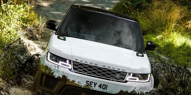 Westlake Legal Group sport4 Land Rover Range Rover Sport HSE P400e: The high-riding hybrid Gary Gastelu fox-news/auto/make/land-rover fox-news/auto/attributes/off-road fox-news/auto/attributes/luxury fox-news/auto/attributes/hybrids fox-news/auto/attributes/electric fox news fnc/auto fnc article 57f68a94-9097-5fac-8349-aa5443b9a432