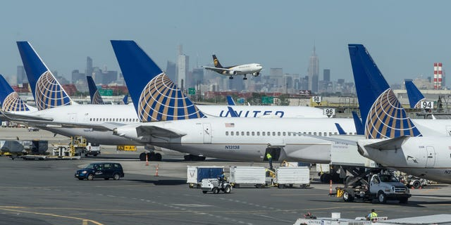 Two United pilots were arrested after reportedly failing a breath test at Glasgow Airport on Aug. 3.