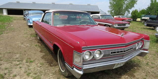 Only 577 Imperial convertibles were built in 1967.