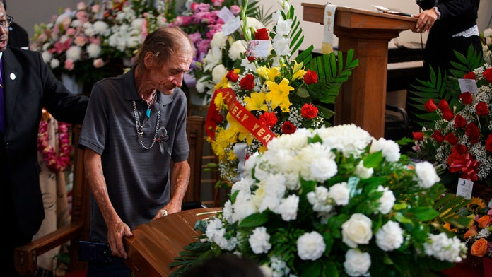 Partner of El Paso shooting victim overwhelmed by hundreds of strangers at funeral