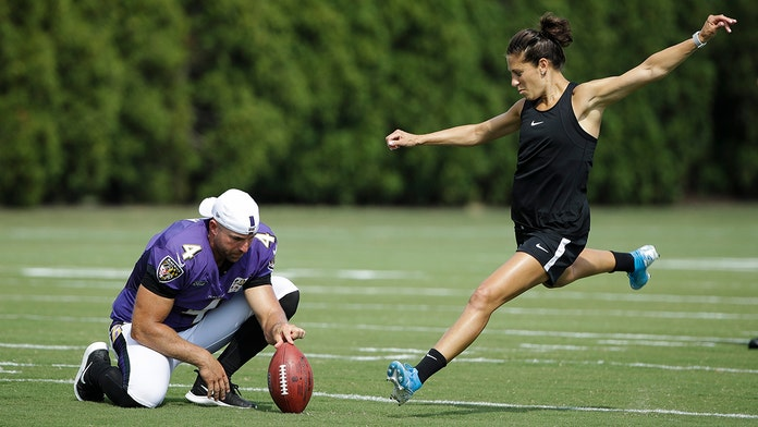 Carli Lloyd kicks 55-yard field goal, Hall of Famer says NFL should give her 'honest' tryout