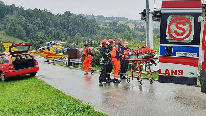 Lightning strike in Poland, heavy thunderstorm blamed for several deaths, injuries in Tatra Mountains