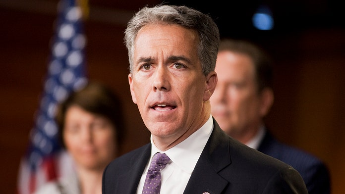 Joe Walsh announces Trump primary challenge: 'I'm in'