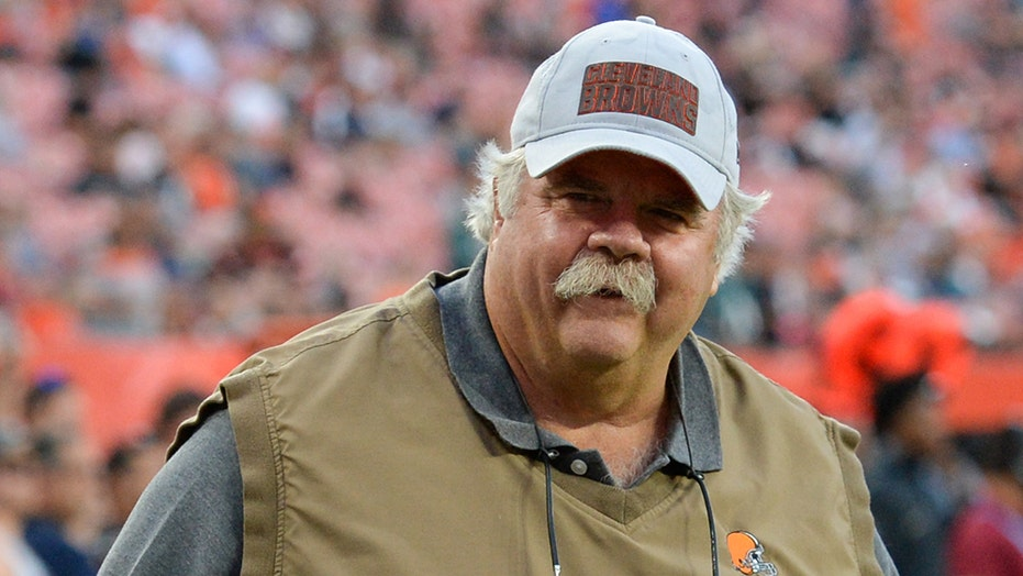 Ex-Cleveland Browns assistant Bob Wylie upset over way he was fired