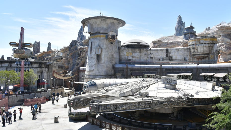 Star Wars: Galaxy's Edge ride celebrates 1-millionth rider since opening