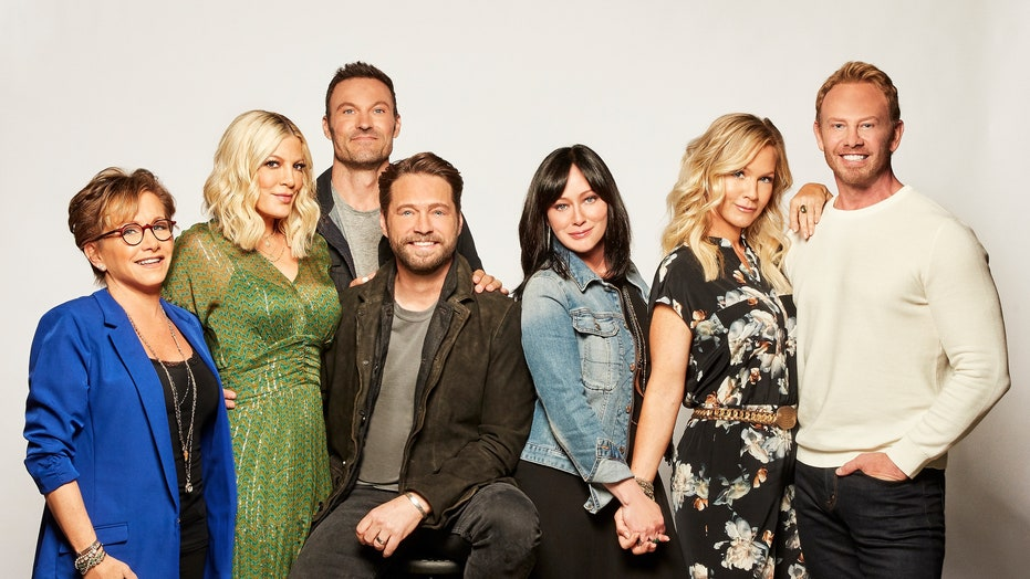 It's a Peach Pit reunion as '90210' returns to FOX