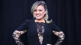 Kelly Clarkson laughs off 'Baby, It's Cold Outside' backlash: 'We didn't kill Christmas'