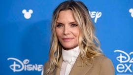 Michelle Pfeiffer shares relatable makeup mishap in Instagram selfie: 'EEK!'
