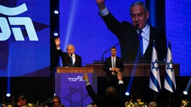 Israel's 2 main political parties deadlocked after election