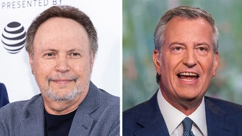 Billy Crystal mocks Bill de Blasio: 'You're going nowhere, come back and clean up this city'
