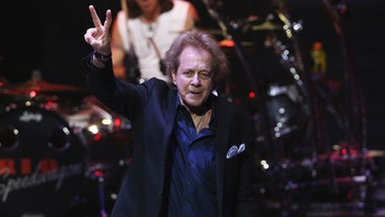 Eddie Money, 鈥楾wo Tickets to Paradise鈥� singer, dead at 70