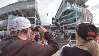 Cleveland Browns issue ban for beer throw to man who didn't attend game against Titans: report