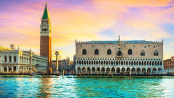 Tourists in Venice fined more than $3G for skinny dipping in canal