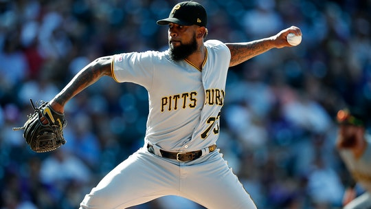 Pittsburgh Pirates' Felipe Vazquez met alleged victim at ballpark, visited her at home: report