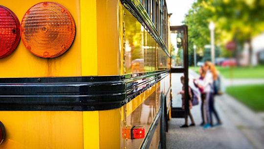 Student, 10, calls 911 to report drunken school bus driver in Washington state