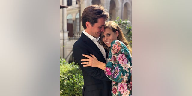 Princess Beatrice S Engagement Ring Likely Inspired By Queen
