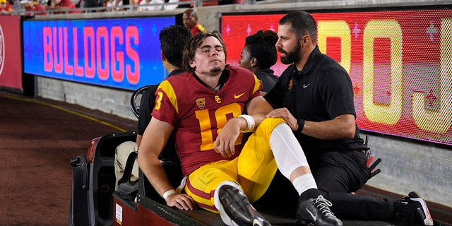 USC Quarterback JT Daniels Suffers Torn ACL, Out For Season