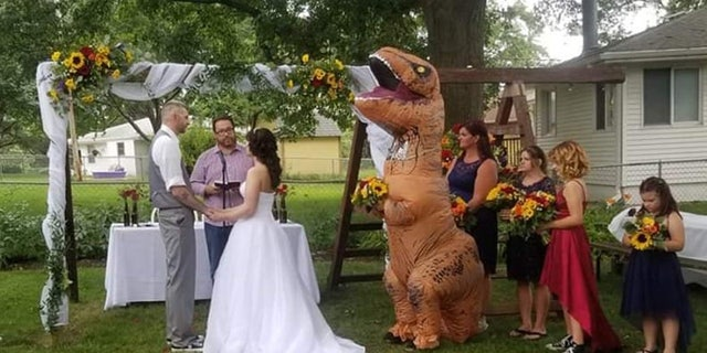 "<br data-cke-eol=""1"">