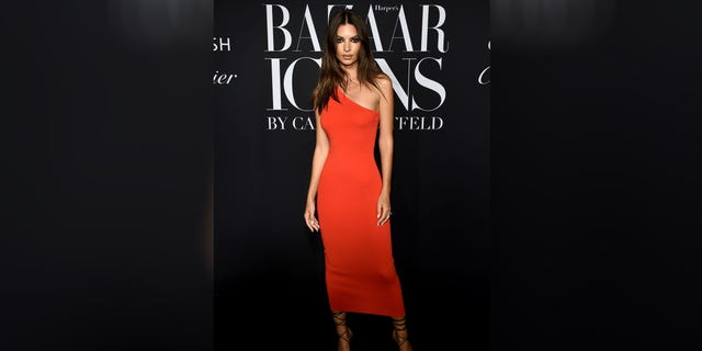 Westlake Legal Group Emily-Ratajowski-red-dress Emily Ratajkowski stuns in $50 Zara dress New York Post fox-news/style-and-beauty fnc/lifestyle fnc Emily Kirkpatrick article 179e69fd-2ac5-56cd-898a-d79ce715be98