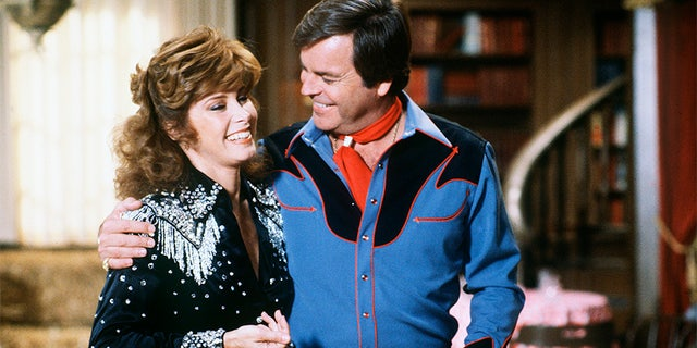 Westlake Legal Group GettyImages-93765692 'Hart to Hart' star Stefanie Powers says she and Robert Wagner 'held each other up' after partners' deaths Stephanie Nolasco fox-news/entertainment/tv fox-news/entertainment/genres/then-and-now fox-news/entertainment/genres/classics fox-news/entertainment/events/departed fox-news/entertainment fox news fnc/entertainment fnc article 36498d3e-f3b7-58d0-8d2b-37d6dc9641d5
