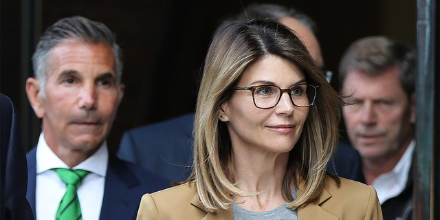 Lori Loughlin and Mossimo Giannulli will plead guilty in the college admissions scandal.