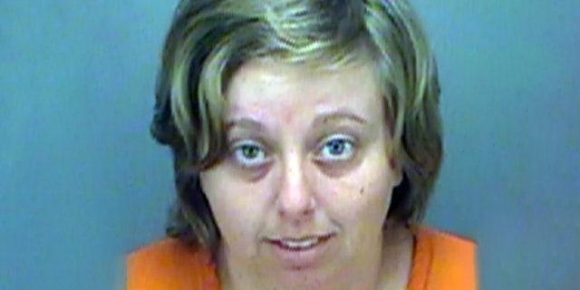 Westlake Legal Group Michelle-Sieber Florida woman, 26, filmed kicking, choking dog with leash is arrested Nicole Darrah fox-news/us/us-regions/southeast/florida fox-news/us/crime fox news fnc/us fnc d66148b9-1d3a-5b5c-be18-aa23e03e0ff9 article