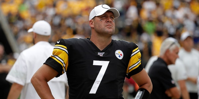Pittsburgh Steelers quarterback Ben Roethlisberger looks at the scoreboard as he walks off the field as time runs out in a loss to the Seattle Seahawks in an NFL football game in Pittsburgh, Sunday, Sept. 15, 2019. Roethlisberger did not play the second half of the game. (AP Photo/Gene J. Puskar)