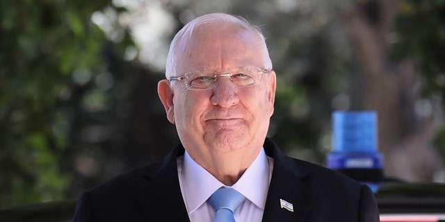Israel's president Reuven Rivlin, who has until October 2 to task a lawmaker with forming a government, will begin consultations with the newly-elected Knesset groups on Sunday, his office reportedly announced Thursday.